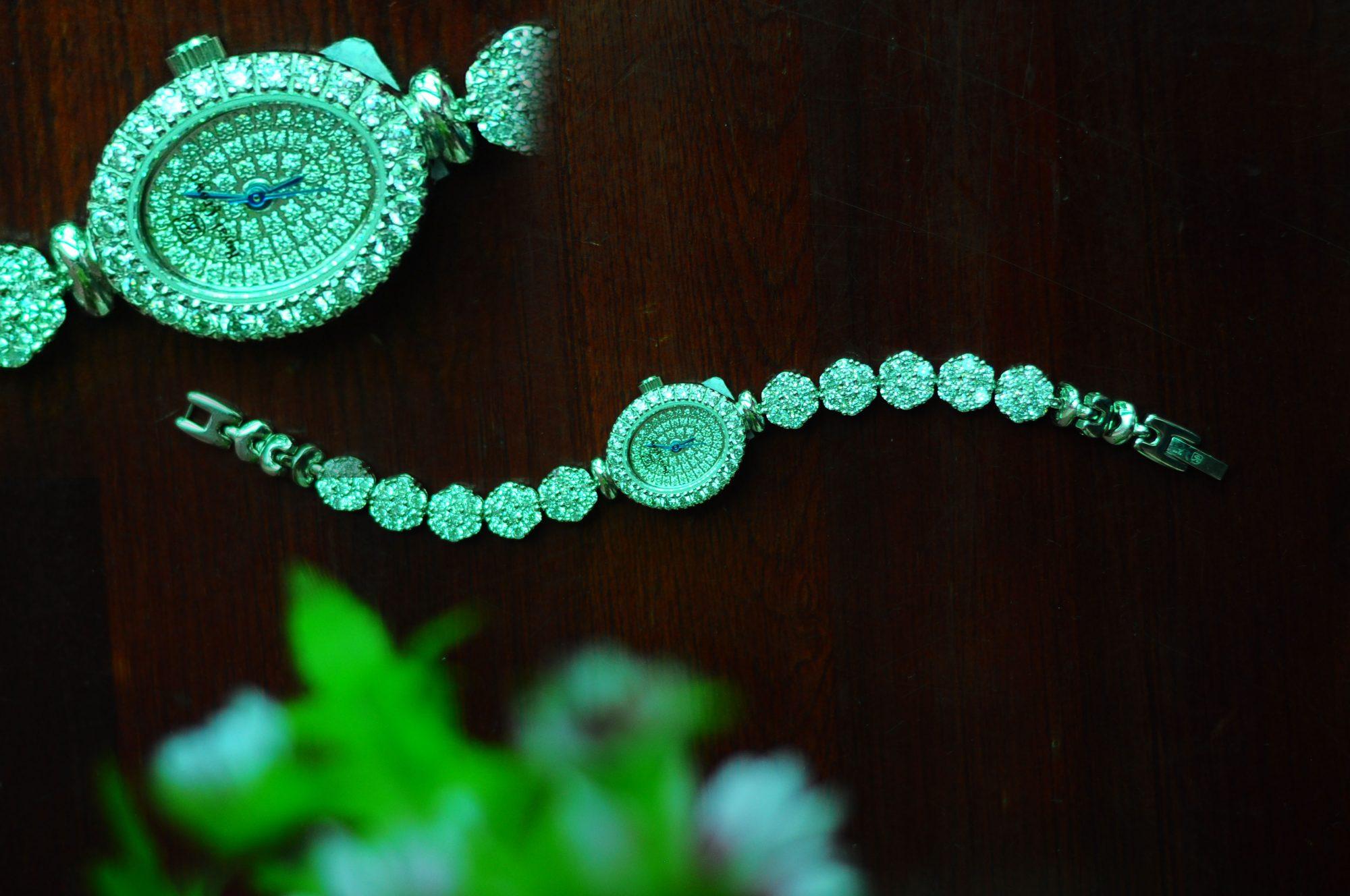 Đồng Hồ Royal Nữ 102