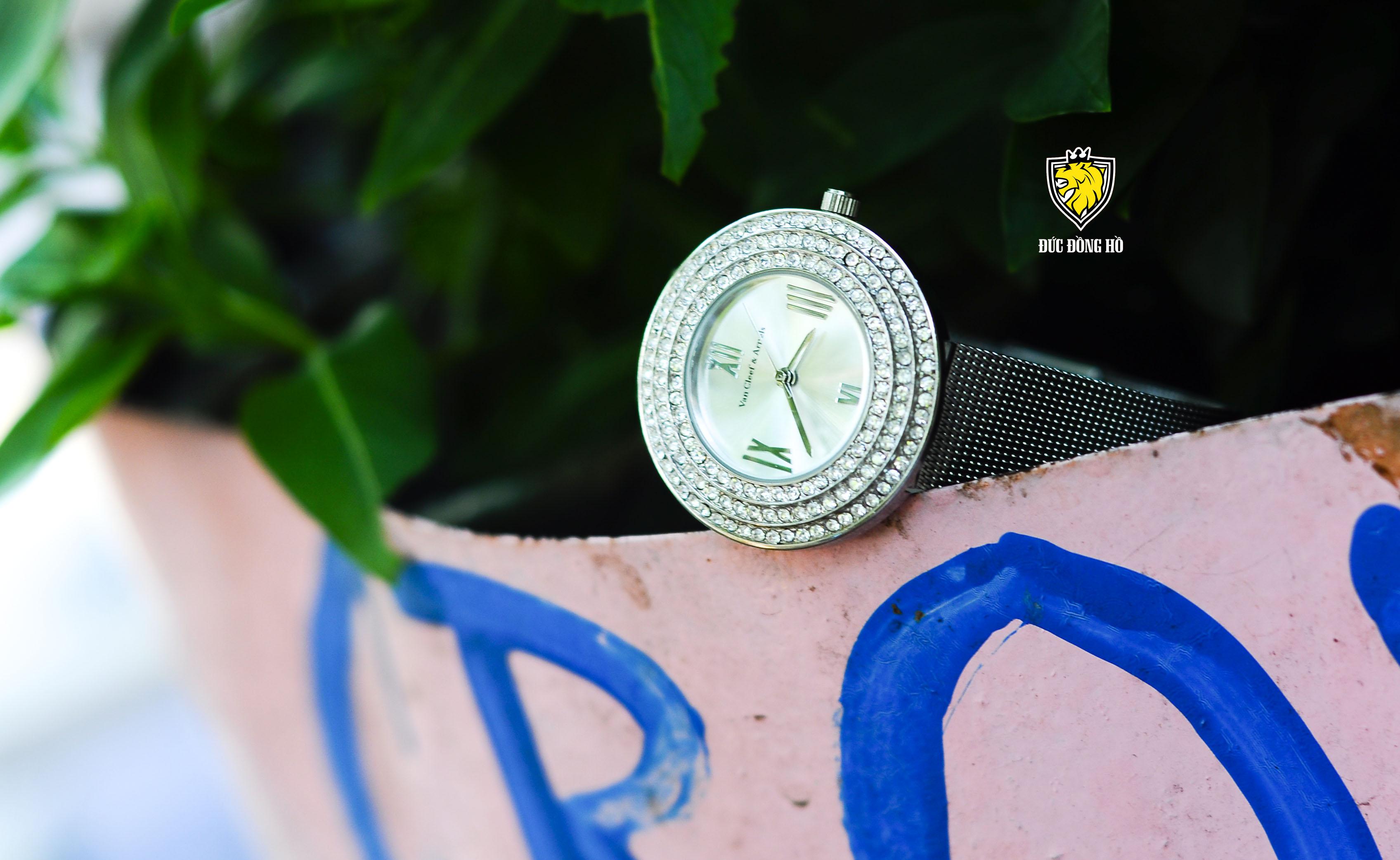 Đồng Hồ Van Cleef & Arpels Nữ 001