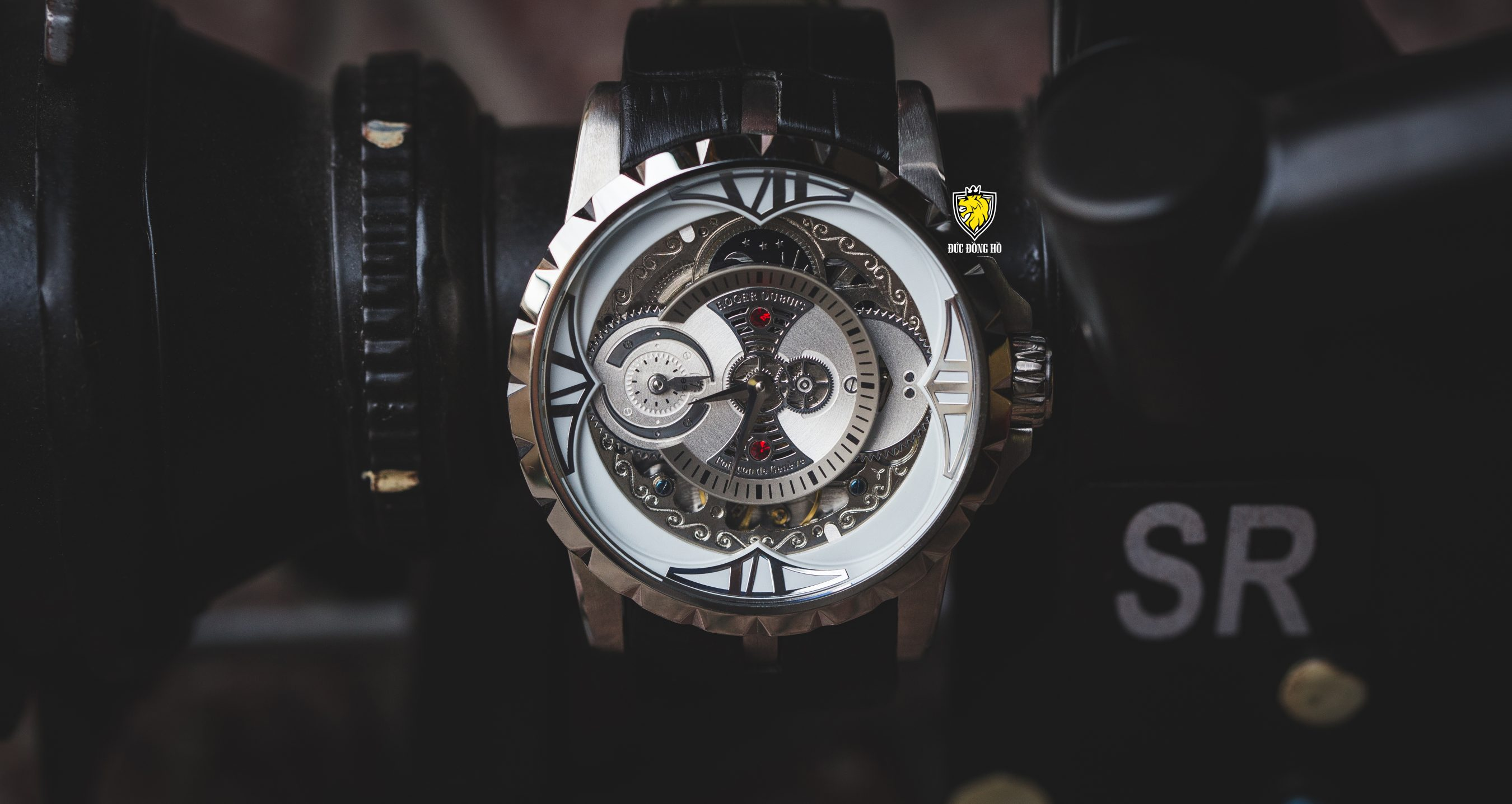 Roger Dubuis 105